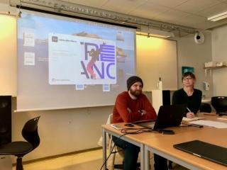 VFX- og Motion Graphics-artist Tyler Sparks frå USA og kona Einy Aam Sparks frå Volda. Foto: Håvard Krøvel-Velle.