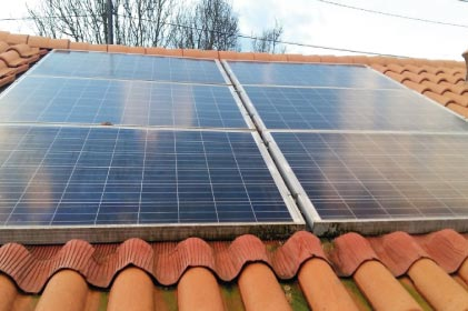 Onduleur ou ondulateur photovoltaïque : quel terme utiliser ?