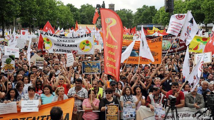 20-Alevi-protest-mod-Erdogan-Köln-2016-DAB-Revolutionære-Alevi-Forbund-1