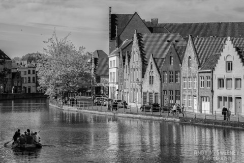 Black and white landscape of the canals in Brugge during the opening ceremony of the Triënnale, 2015