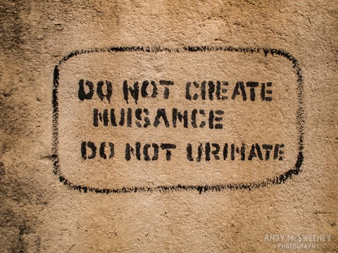 """Wall sign in India saying """"Do Not Cause Nuisance, Do Not Urinate"""""""
