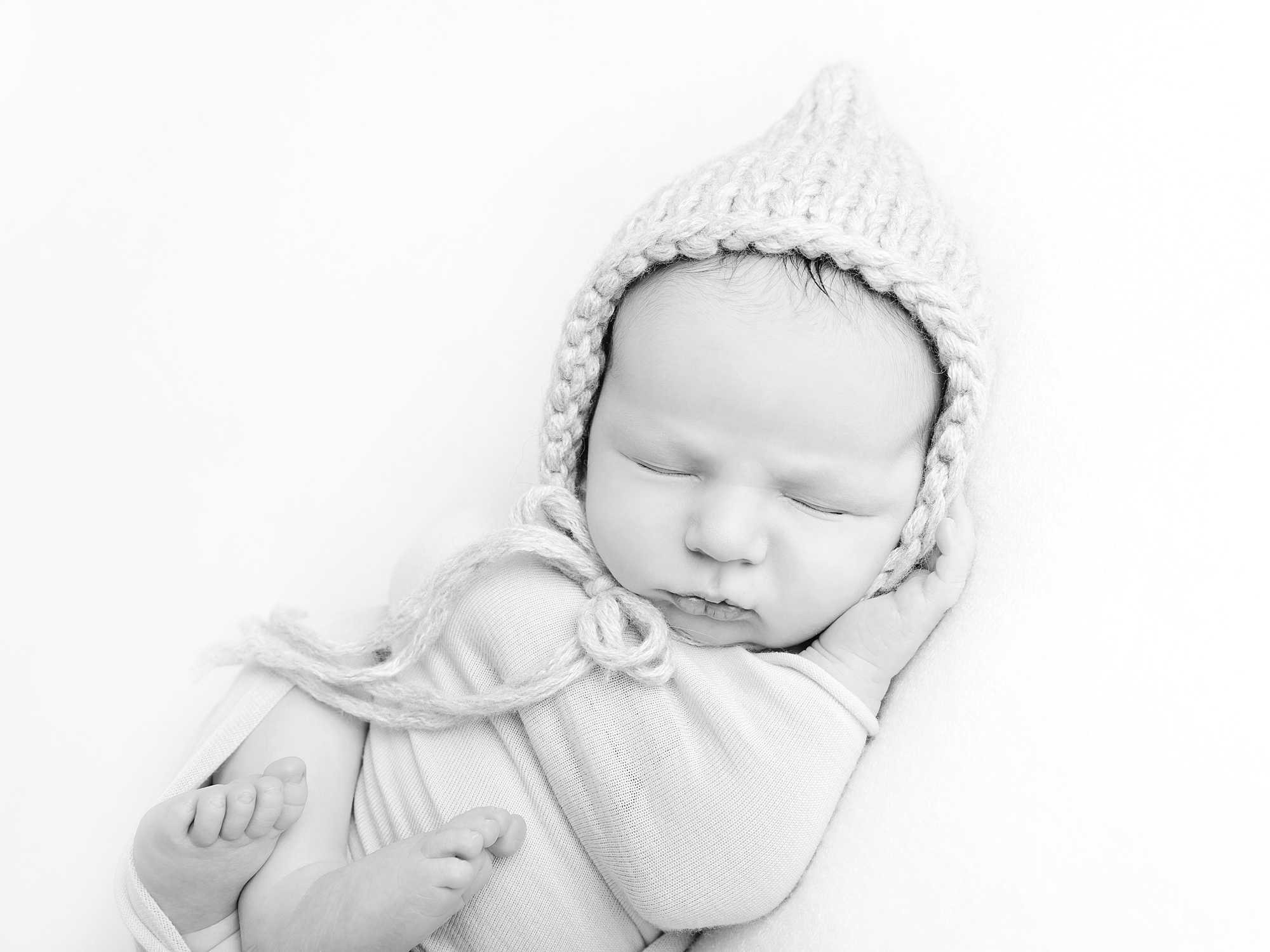 black and white pixie hat newborn photography in edinburgh by Anilorak Photography