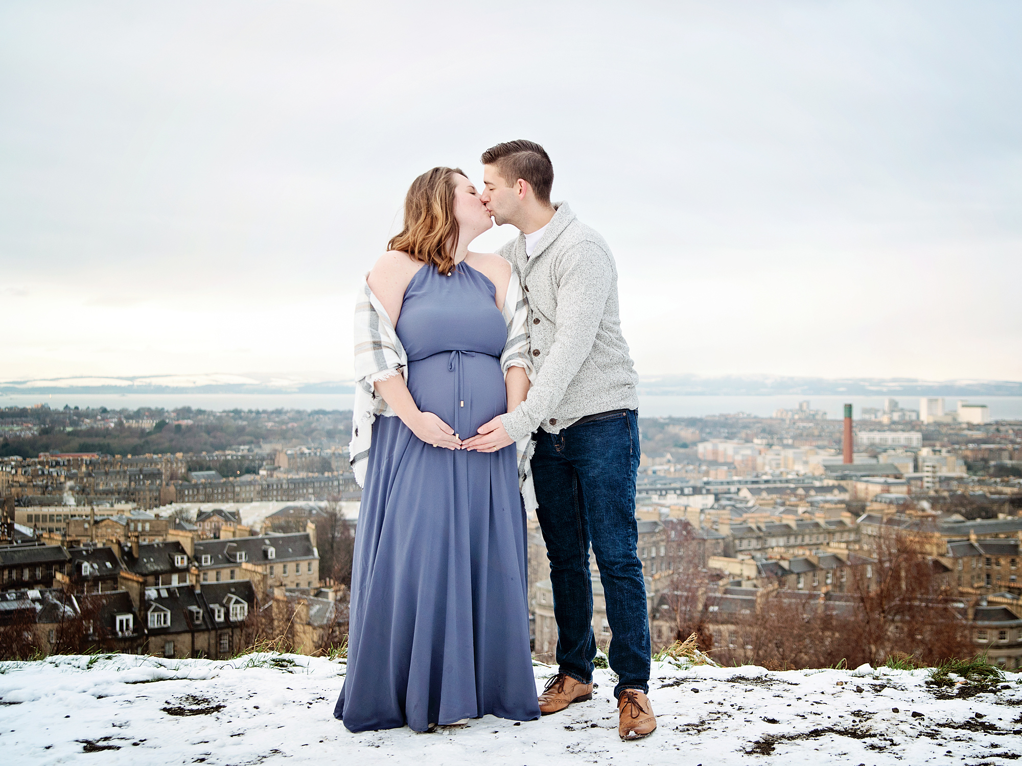 calton hill winter maternity photography edinburgh midlothian