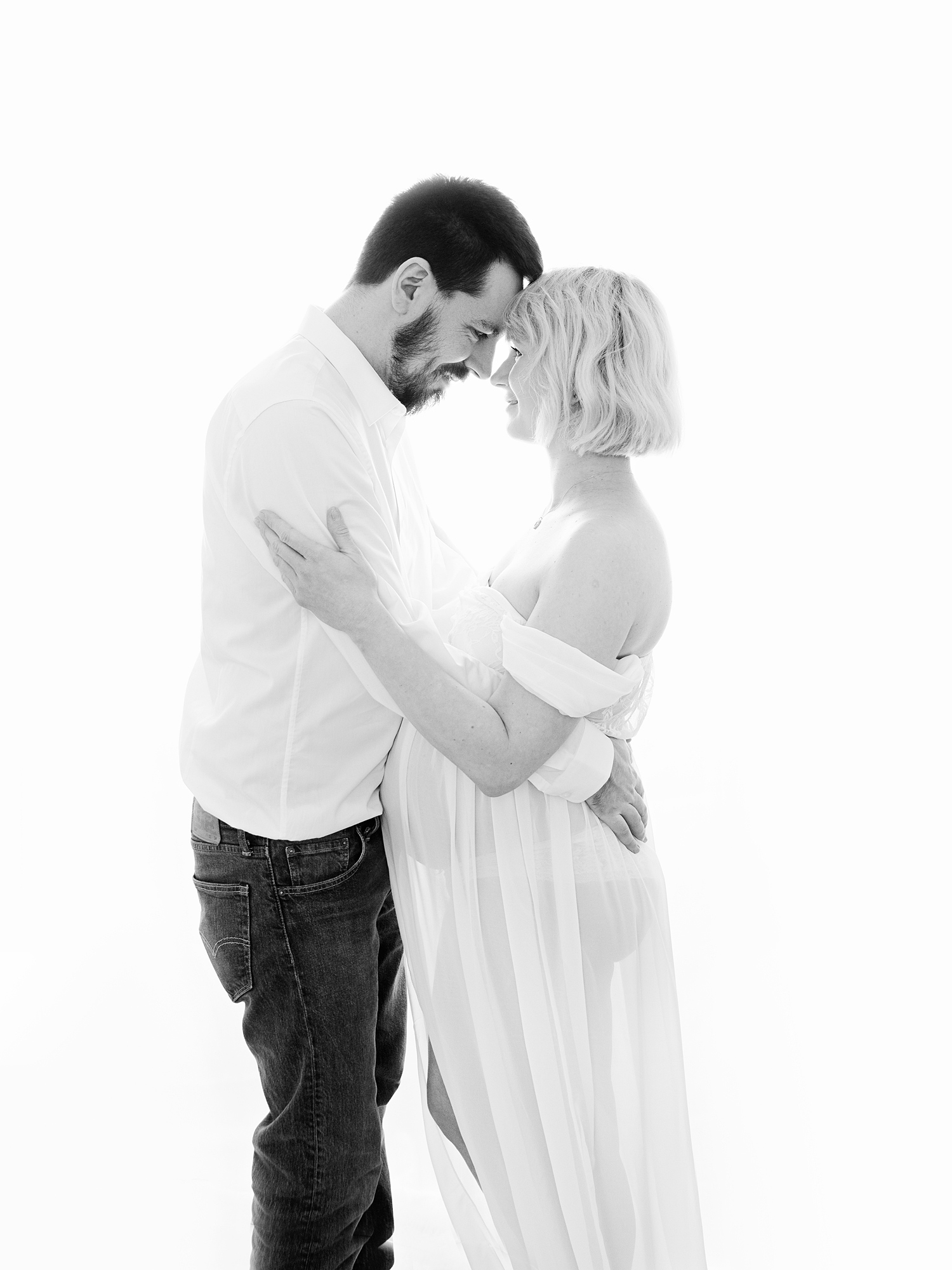 backlit black and white studio maternity photography edinburgh midlothian