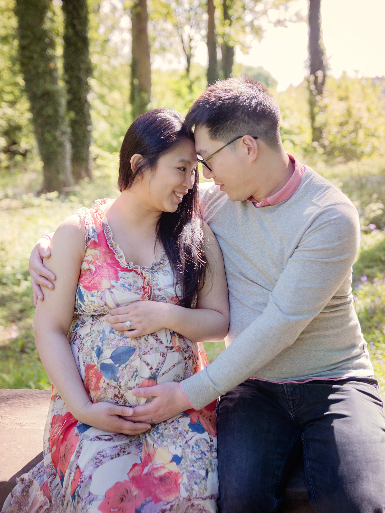 dalkeith country park mum with partner pregnancy maternity photography edinburgh midlothian