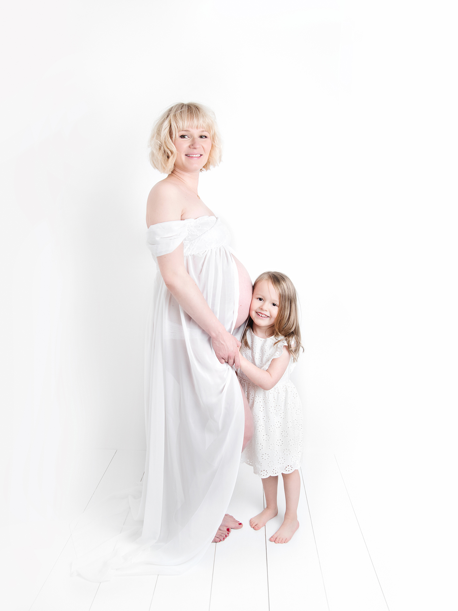 mum and four year old daughter pregnancy maternity photography edinburgh midlothian