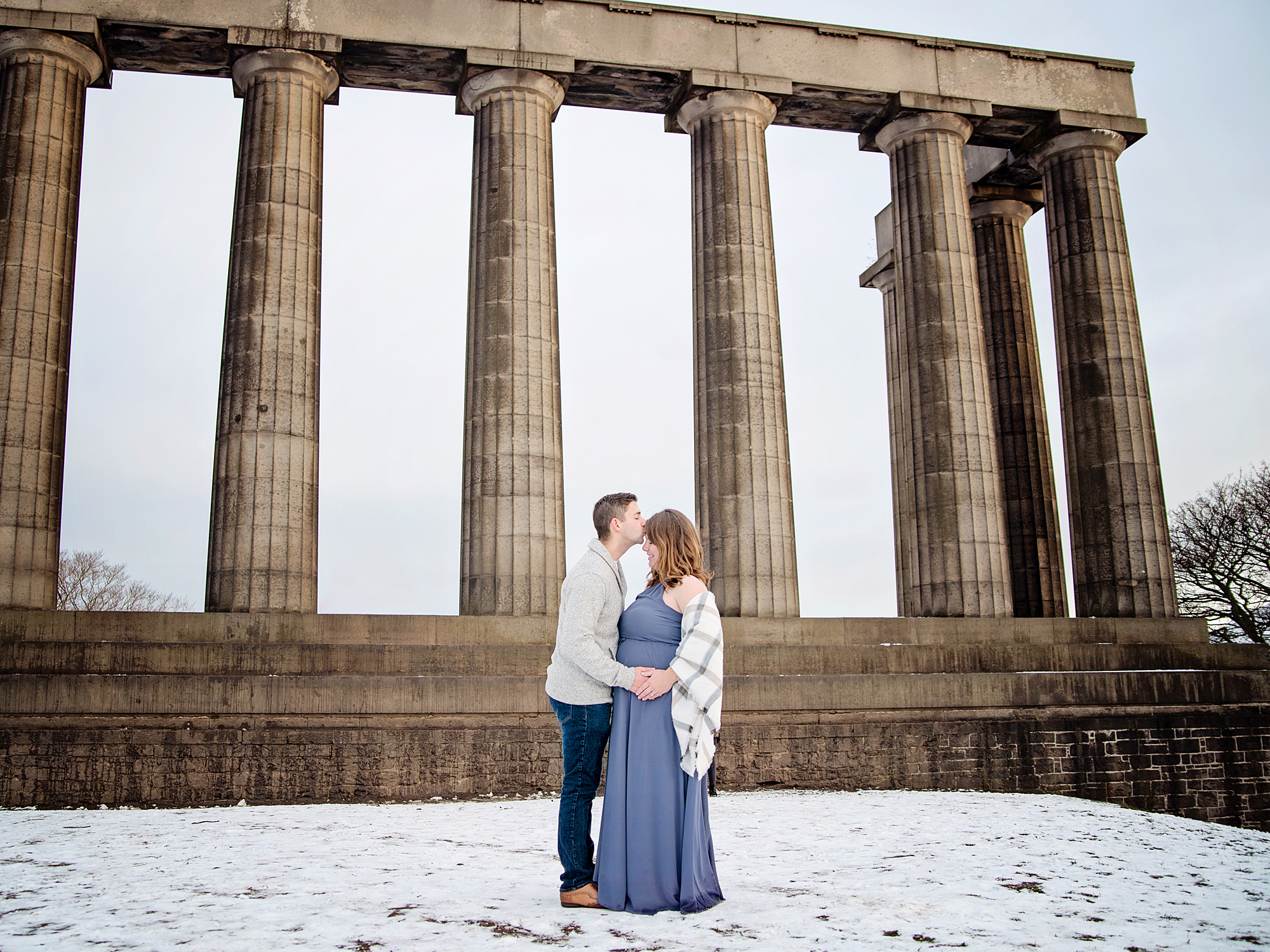 calton hill edinburgh pregnancy maternity photography edinburgh midlothian