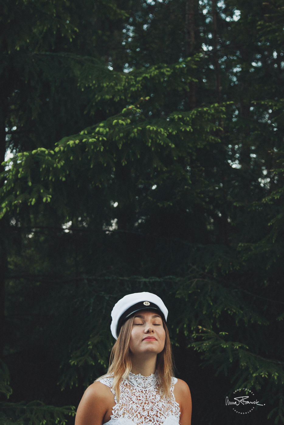 graduation, studentfoto, ylioppilaskuva, valokuvaus, anna, franck, pargas, parainen, stockholm, sverige, finland, forest, skog, natur, luonto
