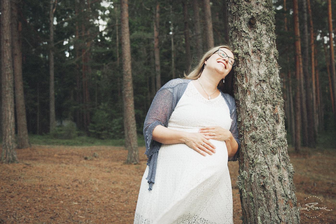 anna, franck, photography, stockholm, pargas, photographer, stockholmfotograf, gravid, pregnancy, raskaana, gravidbilder, mustfinn, sunset, softlight, natural, motherhood, mamma, äitiys