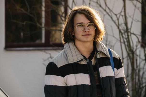 Benny Elofsson (Anton Forsdik) DE DAGAR SOM BLOMMORNA BLOMMAR