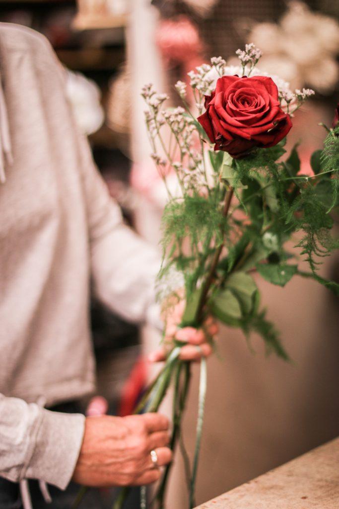 snittblommor rosor blombud