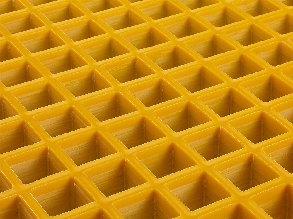 Gratings with Concave Surface