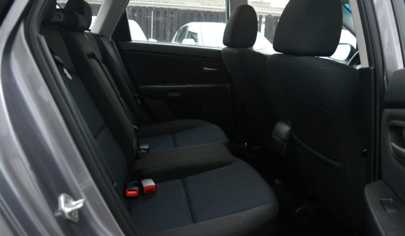Mazda 3 2,0 4d full