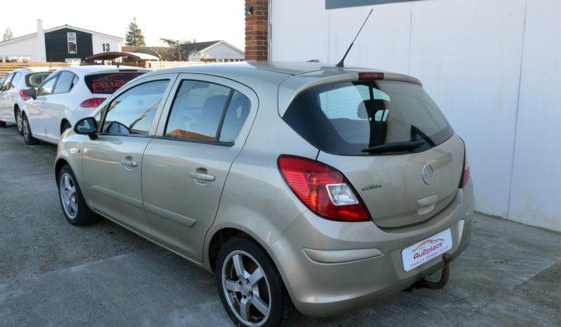 Opel Corsa 1,2 16V Enjoy 5d full