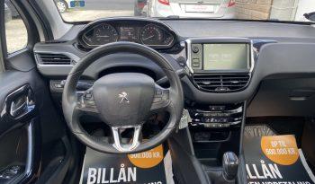 Peugeot 208 1,2 VTi Allure Sky 5d full