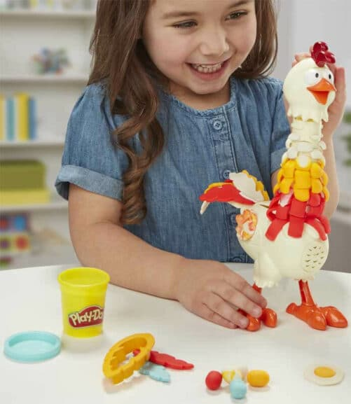play-doh-cluck-a-dee-feather-fun-chicken