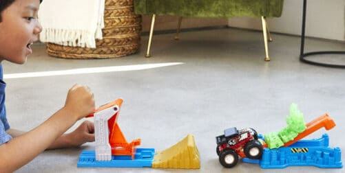 hot-wheels-mt-launch-and-bash-play-set-2