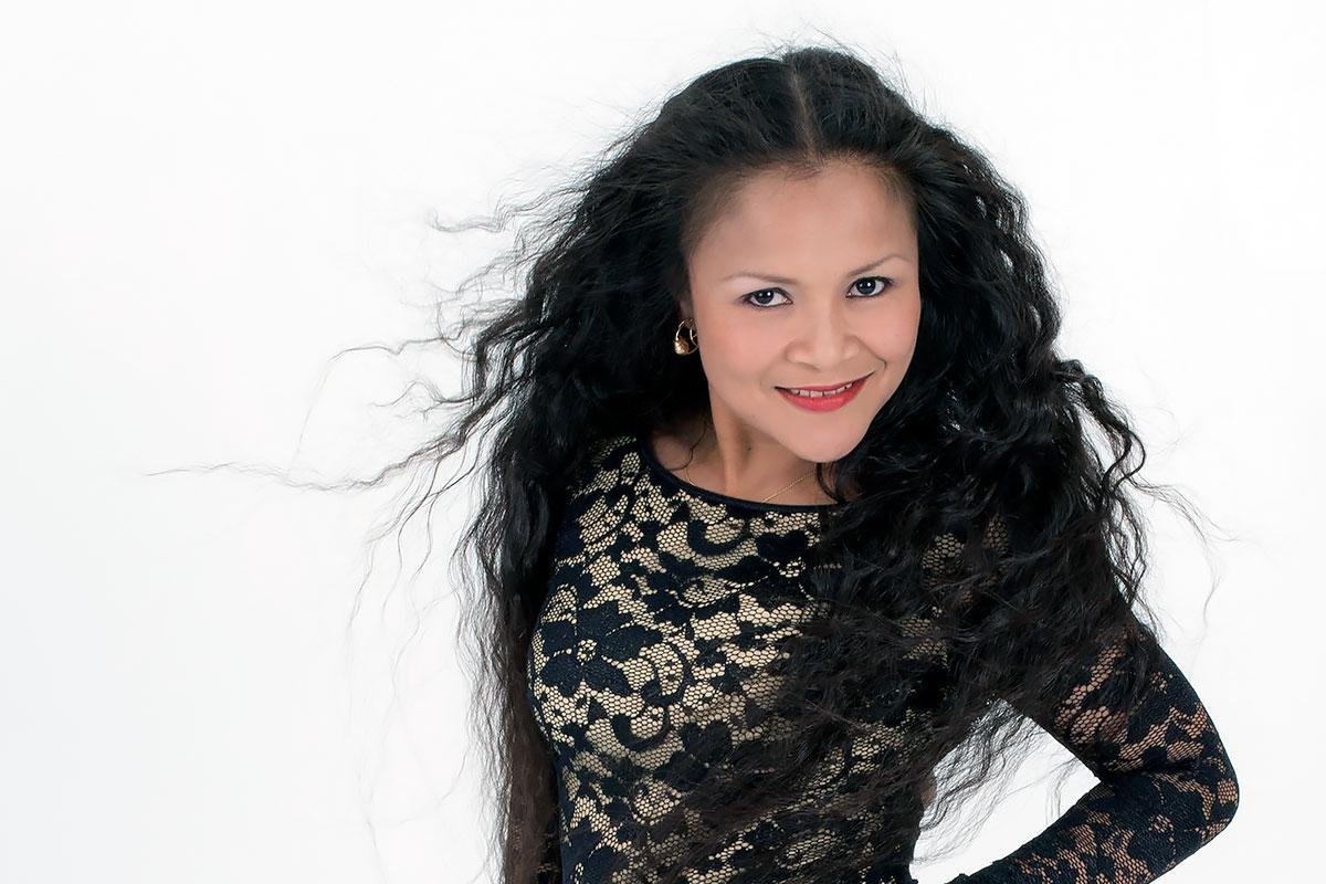 Gina Michaells