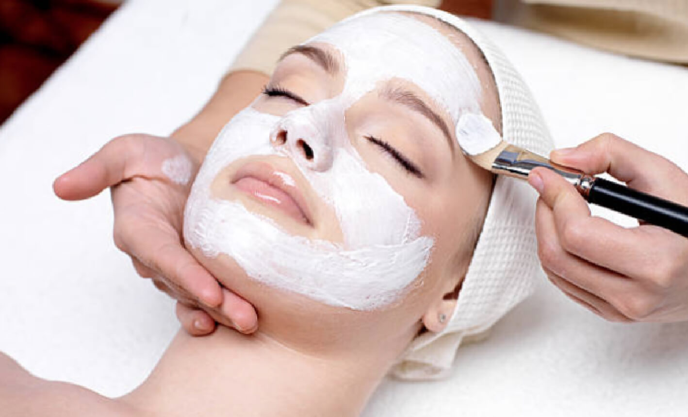 Whatever beauty treatment you choose our team will endeavour to ensure that you receive an excellent customer service at all times. Indulge in a relaxing massage or pamper yourself with our range of eye treatments.