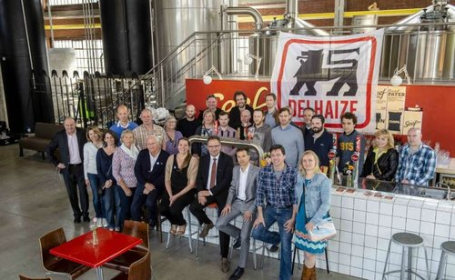 Delhaizeklanten brouwen bier voor goed doel