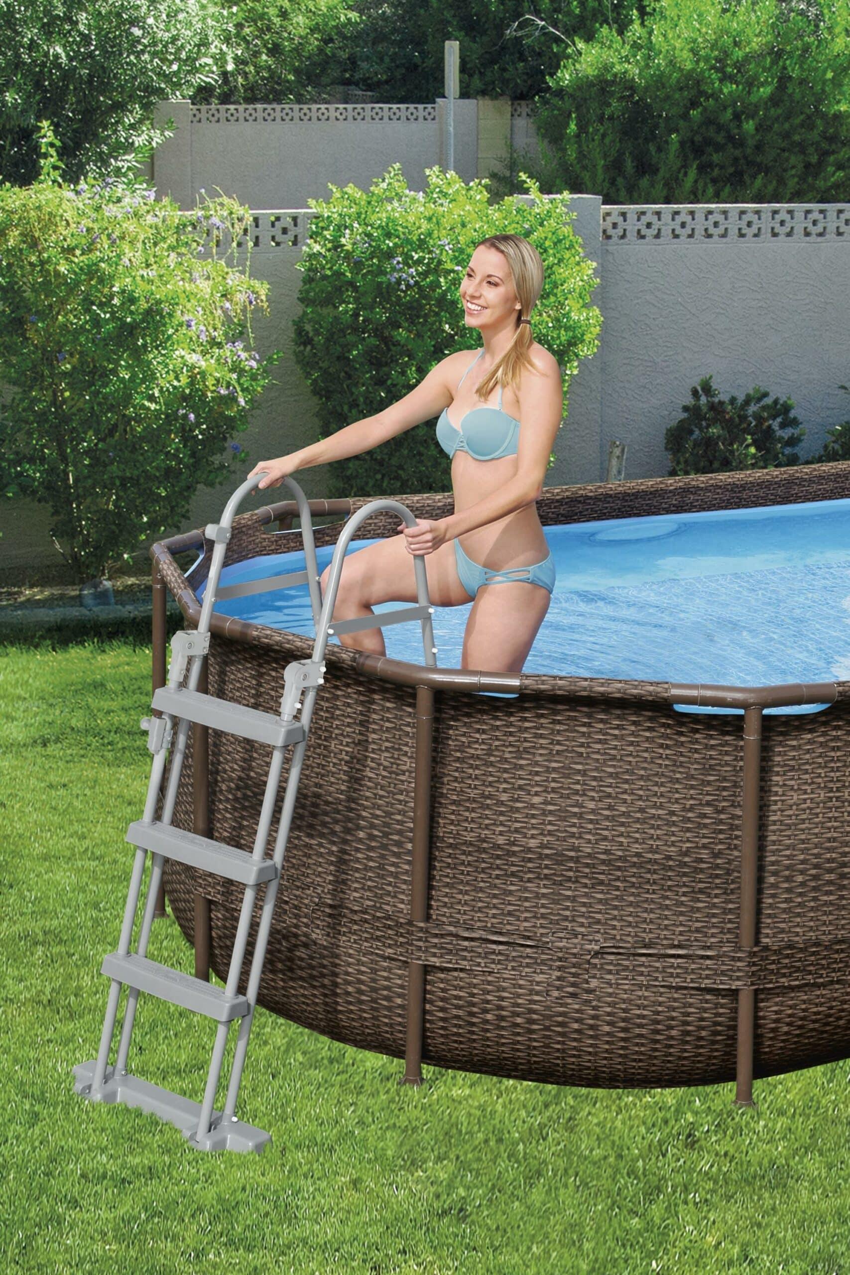 Ovalt Swim Vista R1 basseng med rustfri stige