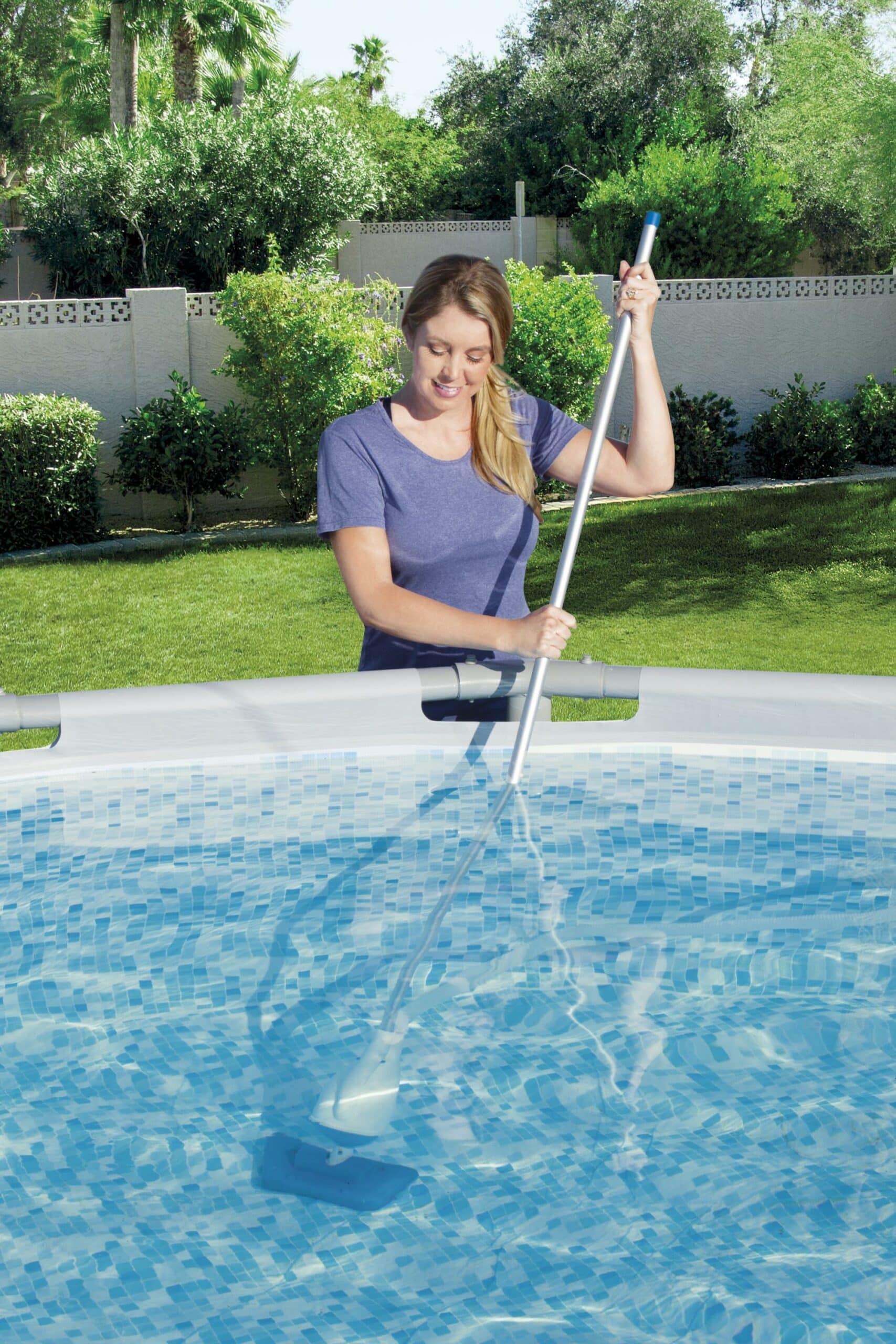 Bestway Flowclear™ AquaCrawl Bassengstøvsuger bruksbilde