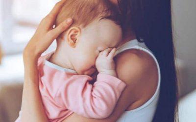Wat doe je als niets meer werkt om je baby in slaap te krijgen?