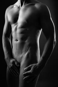 Aktfoto-Mann-nude-sexy-Fotostudio-blendenspiel