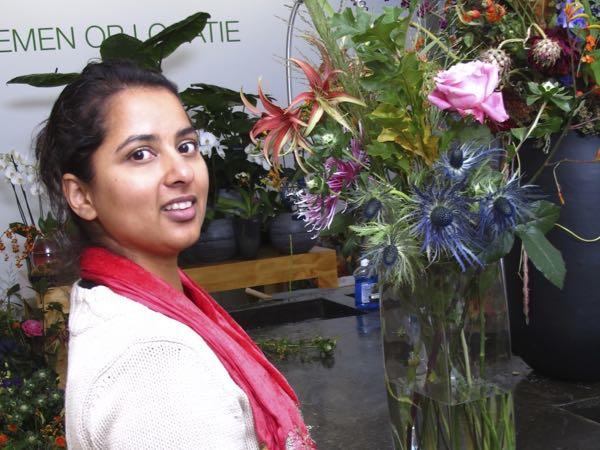 Anchela met bloemen