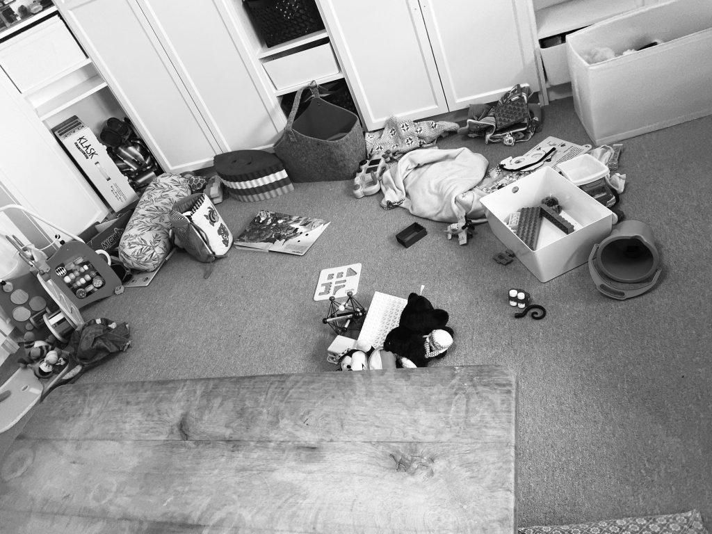 Børnene har leget med legetøjet i stuen. kan vi bruge nødpasning?