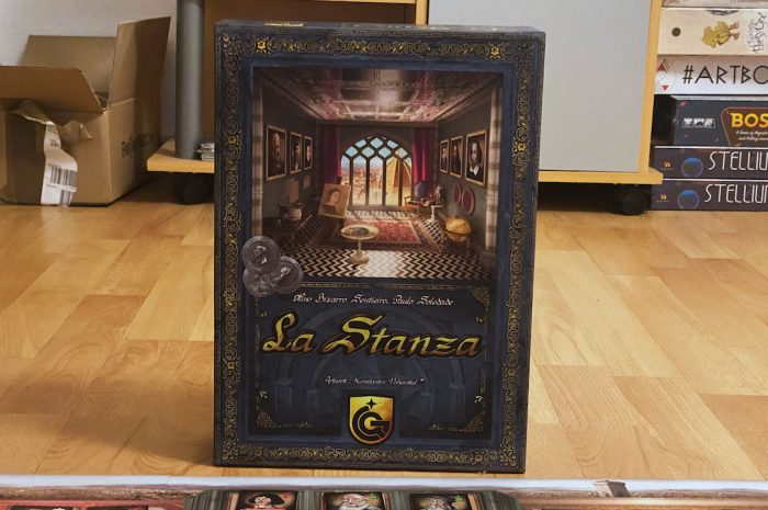 La Stanza: Social climbing through the world of arts [Review]