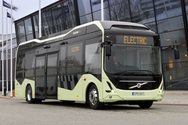 electricity-gothenburg-volvo-electric-bus-1