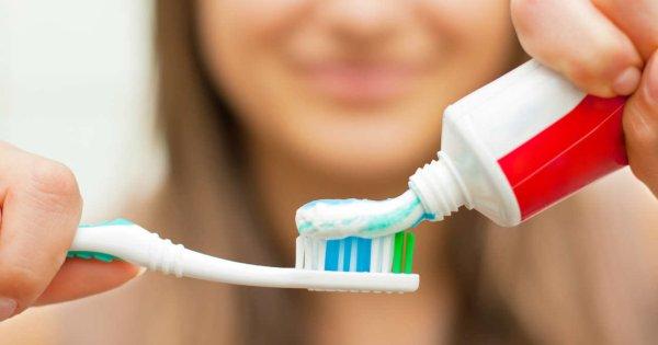 Consejos para el cuidado bucal de los IMPLANTES