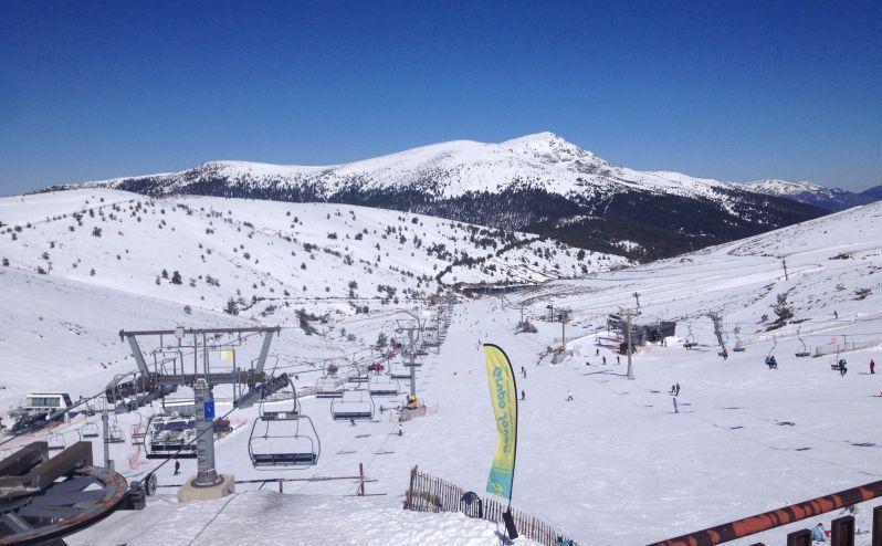 Snowboarden in Madrid: Skigebiet Valdesqui