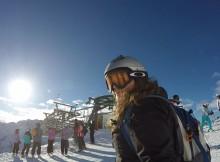 Snowboarden mit Helm