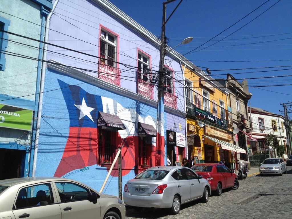 Streetart in Valparaíso, chilenische Flagge