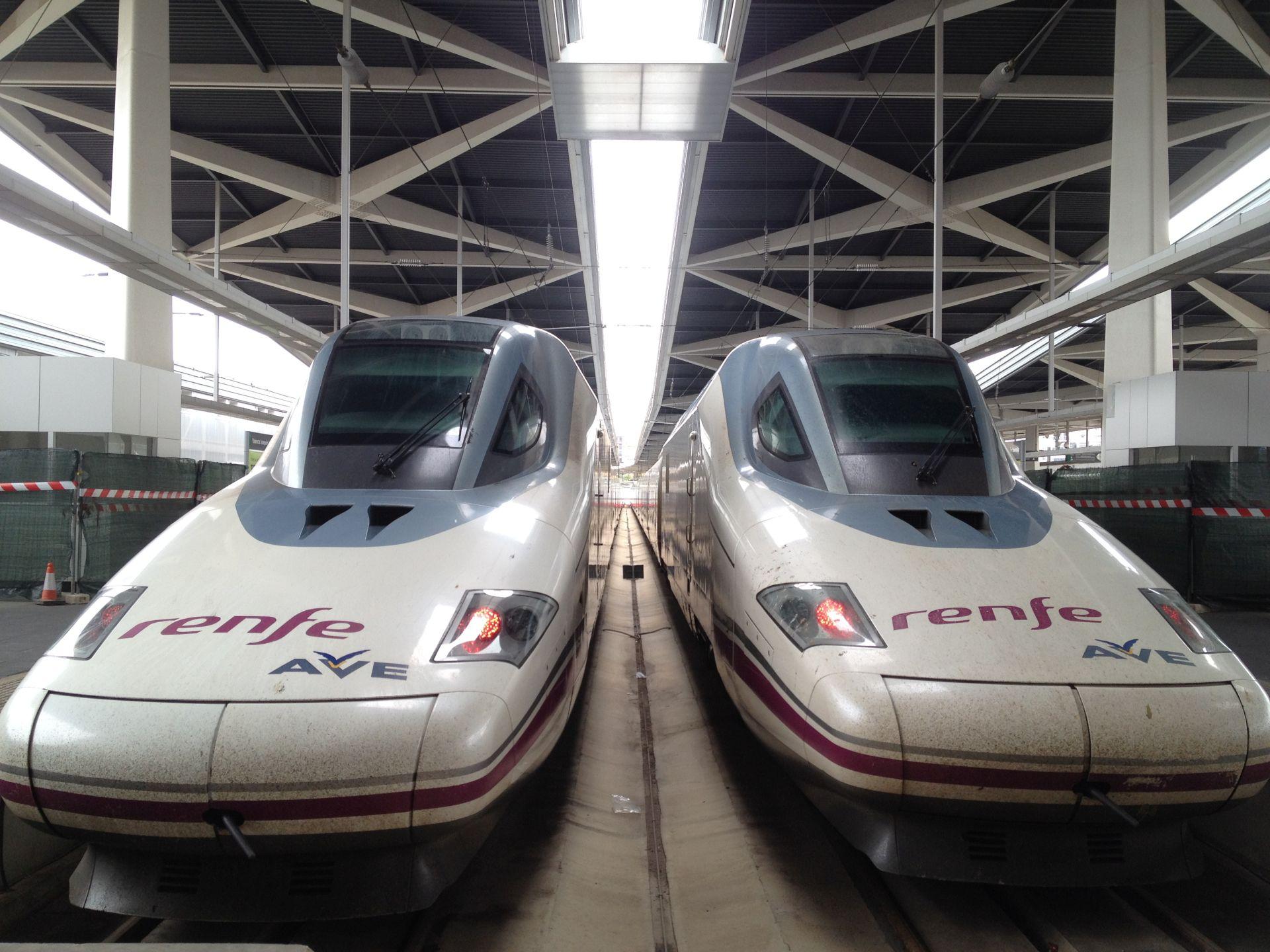 Mit dem Zug von Madrid nach Valencia - Hochgeschwindigkeitszüge AVE