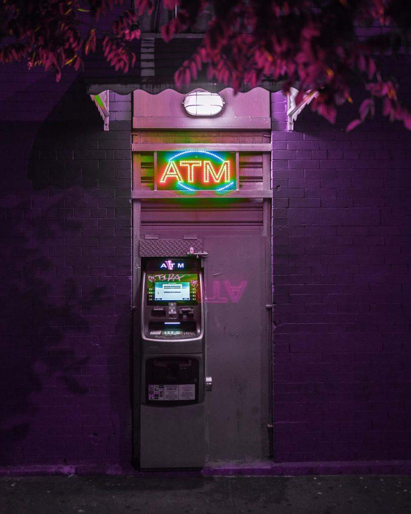 An allen Automaten weltweit kostenlos Geld abheben