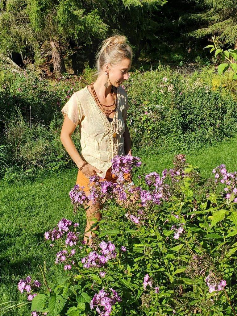 Karolines way of life med blommor, hälsorådgivning