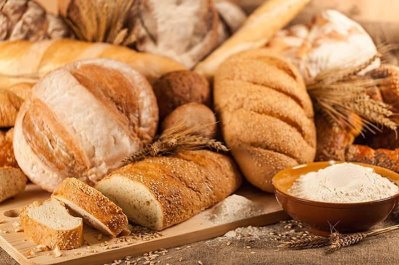 Ohälsosamt vitt bröd utan fibrer, vitt mjöl blir till socker, Karolines way of life hälsoblogg
