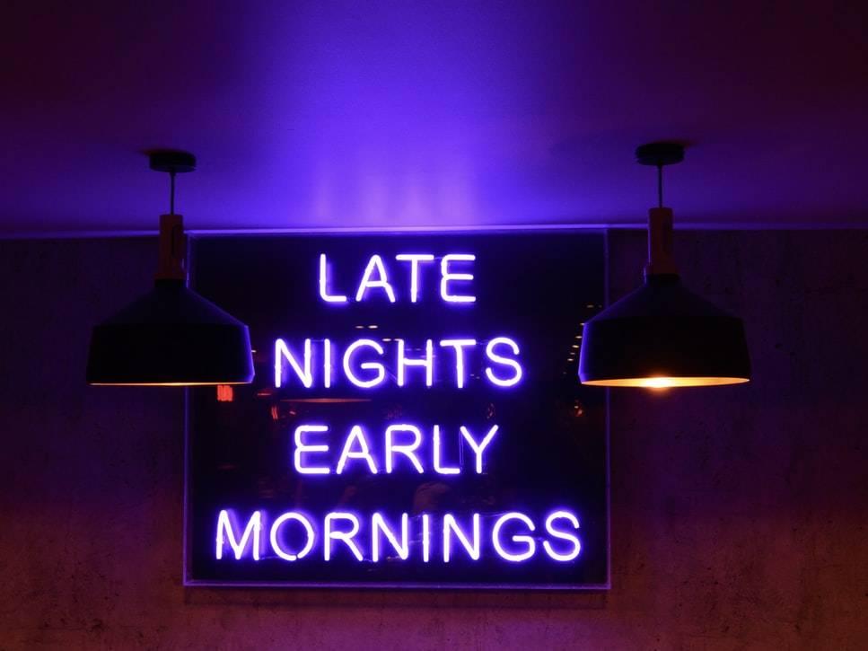 Skylt sena kvällar och tidiga mornar, nattarbete, Karolines way of lige hälsoblogg