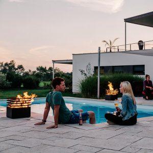 3 st Höfats Cube Eldkorg & Kolgrill rost vid pool