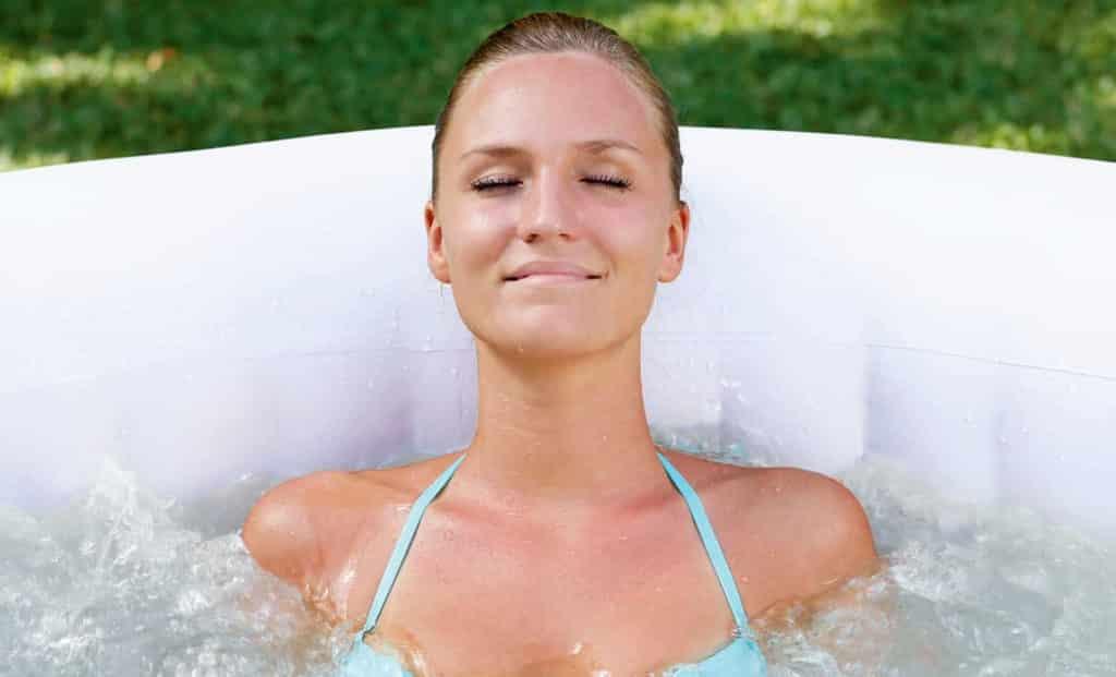 Stillegående massasje med boblebad