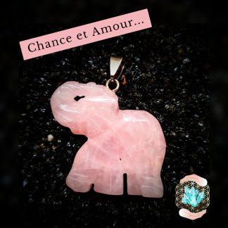 Eléphant trompe en l'air en quartz rose naturel pour la chance et l'attirance en amour. Boutique magasin Bijoux, pierres et bien-être dans la somme en Picardie à Albert
