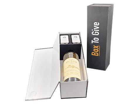Een Keyblox van boxtogive met fles wijn en autosleutels