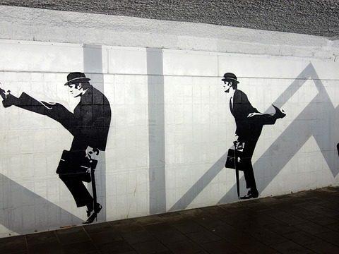 fietstunnel-silly-walks-john-cleese-eindhoven