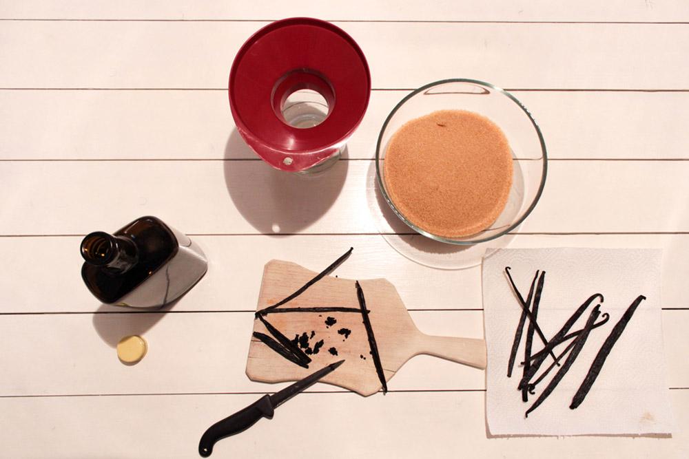 Príprava vanilkového cukra a extraktu