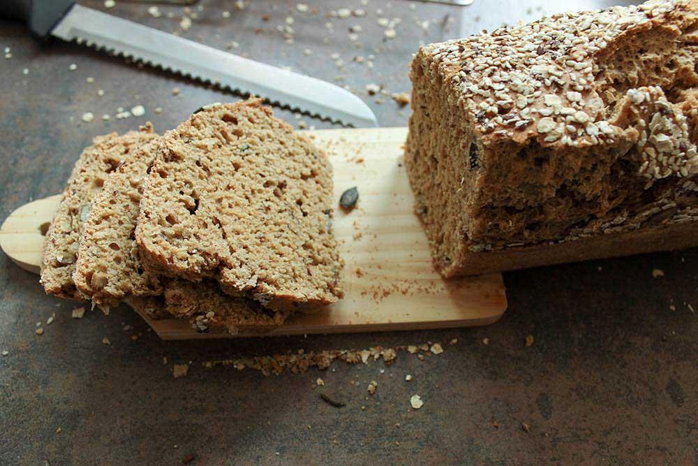 Špaldový chlieb so semiačkami