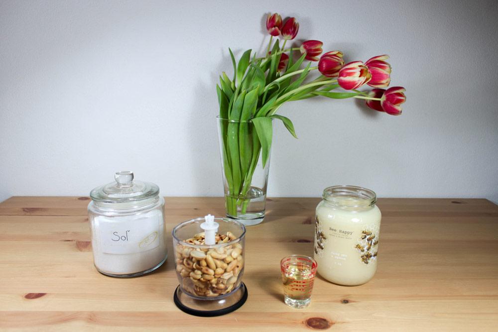 Ingrediencie na domáce arašidové maslo