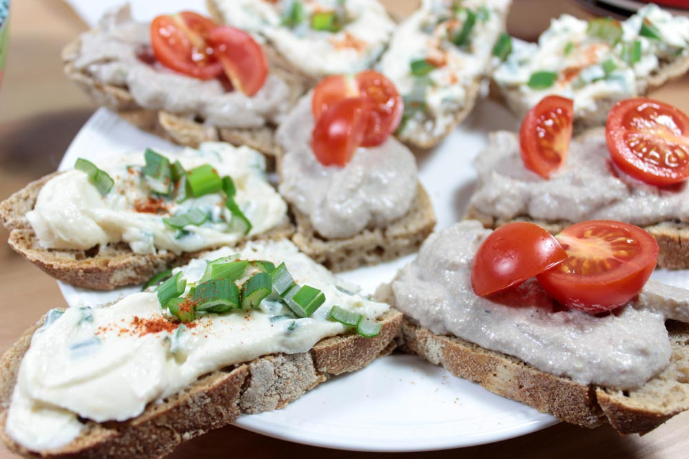 Chlebíky s nátierkami